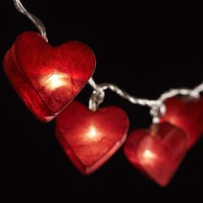Wonderful String Lights Ideas For Valentine Days That Will Amaze You25