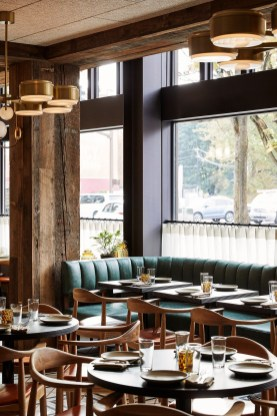 Brilliant Restaurant Design Ideas That Will Make Your Customers Cozy25