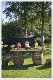 Chic Outdoor Wedding Drink Station And Bar Ideas For Winter To Try Asap05