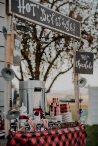 Chic Outdoor Wedding Drink Station And Bar Ideas For Winter To Try Asap06