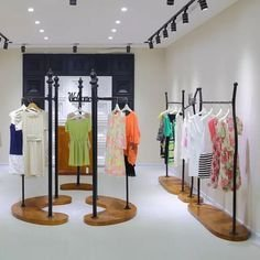 Dreamy Clothing Store Design Ideas For Teen Shoper To Try14