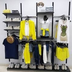 Dreamy Clothing Store Design Ideas For Teen Shoper To Try23