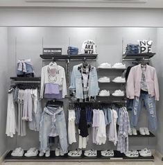Dreamy Clothing Store Design Ideas For Teen Shoper To Try24