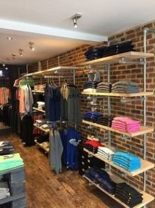 Dreamy Clothing Store Design Ideas For Teen Shoper To Try37
