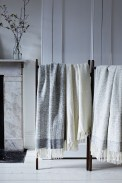 Spectacular Winter Décor Ideas With Textiles That You Need To Try12