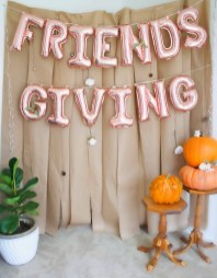 Unusual Friendsgiving Decor Ideas For Holiday Celebrating To Try05