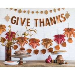 Unusual Friendsgiving Decor Ideas For Holiday Celebrating To Try19