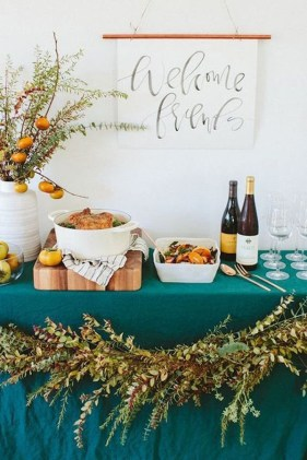 Unusual Friendsgiving Decor Ideas For Holiday Celebrating To Try27