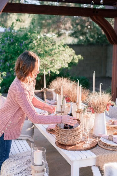 Unusual Friendsgiving Decor Ideas For Holiday Celebrating To Try34