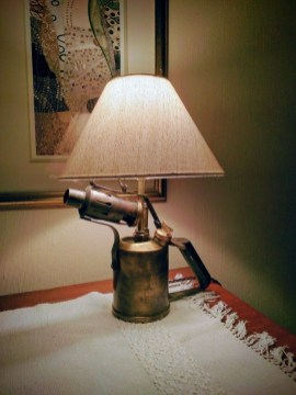 Vintage Industrial Lamps Design Ideas To Improve Your Home Lighting33
