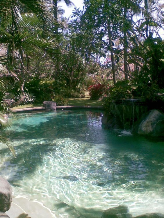 Comfy Swimming Pools Design Ideas With Stunning Natural Surroundings31