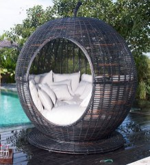 Extraordinary Poolside Nooks Design Ideas To Try For Your Relaxing01