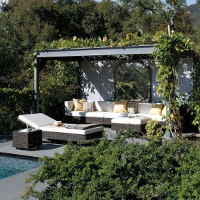Extraordinary Poolside Nooks Design Ideas To Try For Your Relaxing16