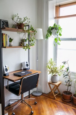 Fascinating Home Office Design Ideas With Beautiful Plants To Try Asap36