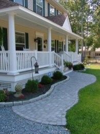 Adorable Front Porch Landscaping Design Ideas To Increase Your Home Style17