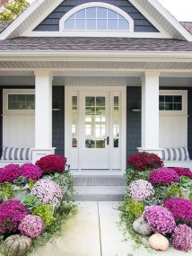 Adorable Front Porch Landscaping Design Ideas To Increase Your Home Style37