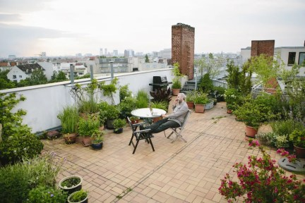 Adorable Rooftop Gardens Design Ideas That Looks Awesome32