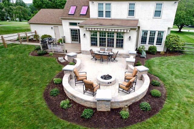 Best Patio Deck Design Ideas With Firepit To Make The Atmosphere Warmer01