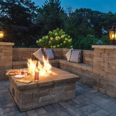 Best Patio Deck Design Ideas With Firepit To Make The Atmosphere Warmer34