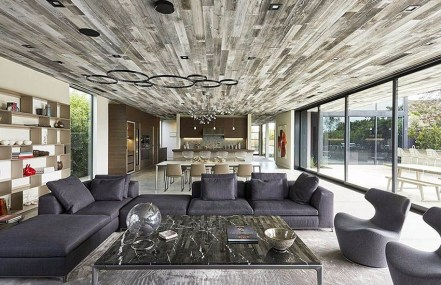Brilliant Living Room Wood Ceiling Design Ideas That You Should Try16