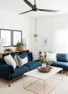Charming Living Room Decoration Ideas With Minimalist Sofa To Try Asap22