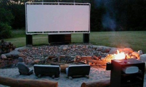 Chic Outdoor Home Theaters Design Ideas To Have Asap06