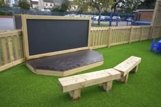 Chic Outdoor Home Theaters Design Ideas To Have Asap22