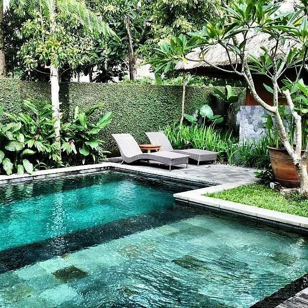 Inspiring Small Backyard Pool Design Ideas For Your Relaxing Place14