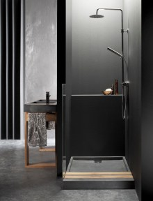 Stunning Black Bathroom Shower Design Ideas That You Need To Copy05