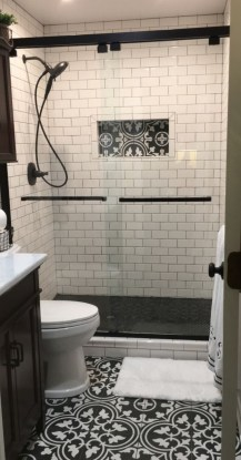 Stunning Black Bathroom Shower Design Ideas That You Need To Copy13