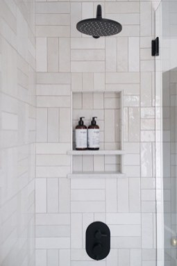 Stunning Black Bathroom Shower Design Ideas That You Need To Copy16