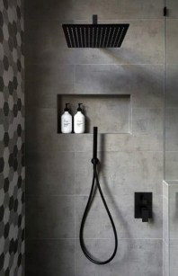 Stunning Black Bathroom Shower Design Ideas That You Need To Copy20