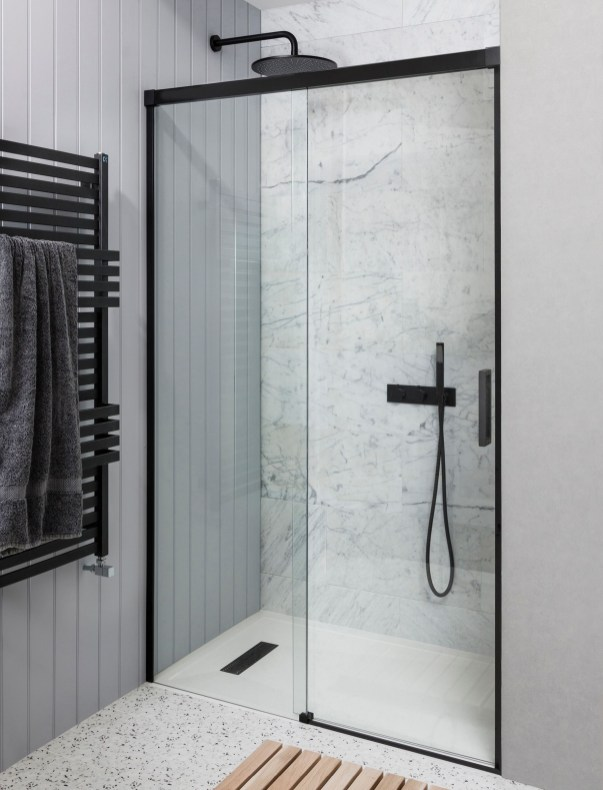 Stunning Black Bathroom Shower Design Ideas That You Need To Copy28