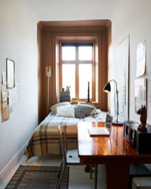 Unusual Small Bedroom Design Ideas For A Narrow Space27