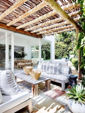 Wonderful Outdoor Living Room Design Ideas For Enjoying Your Days17