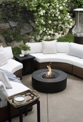 Wonderful Outdoor Living Room Design Ideas For Enjoying Your Days24