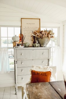 Amazing Diy Fall Farmhouse Decorating Ideas That You Need To Try 06