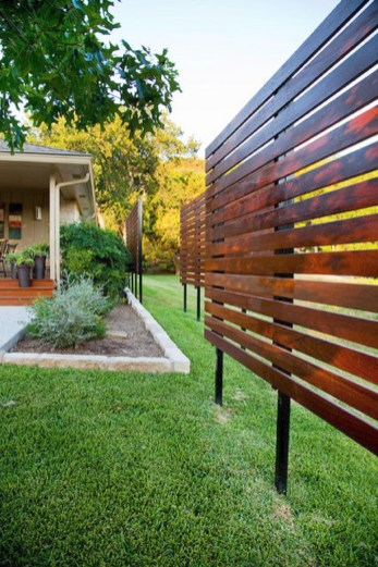 Enchanting Living Fences Design Ideas That Suitable For Your Yard 24