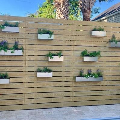 Enchanting Living Fences Design Ideas That Suitable For Your Yard 37