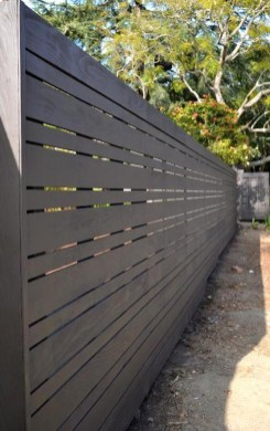 Enchanting Living Fences Design Ideas That Suitable For Your Yard 44