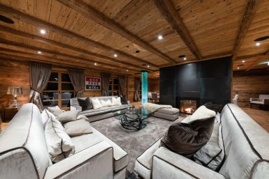 Impressive Spacious Chalet Design Ideas With Warm And Cosy Ambience 01