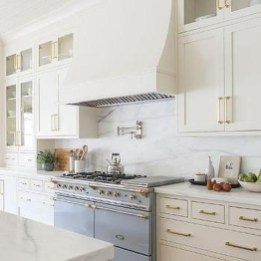 Top White Kitchen Cabinetry Design Ideas That Looks More Modern 05
