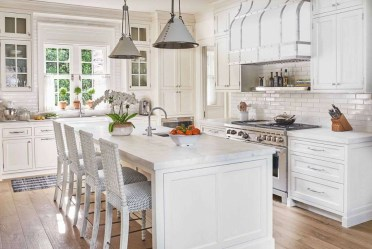 Top White Kitchen Cabinetry Design Ideas That Looks More Modern 17