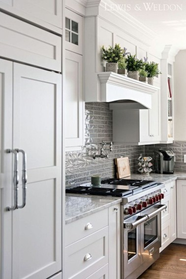 Top White Kitchen Cabinetry Design Ideas That Looks More Modern 18