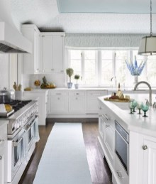 Top White Kitchen Cabinetry Design Ideas That Looks More Modern 23