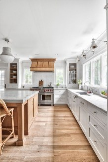 Top White Kitchen Cabinetry Design Ideas That Looks More Modern 36