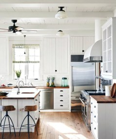 Top White Kitchen Cabinetry Design Ideas That Looks More Modern 43