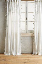 Wonderful Farmhouse Curtains Decor Ideas For Living Room To Try Asap 32