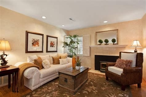 Awesome Small Living Room Staging Ideas 04