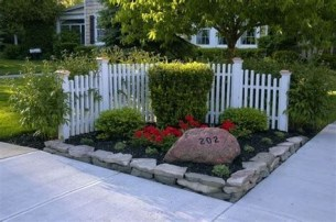 Brilliant Front Yard Corner Lot Landscaping Ideas 13
